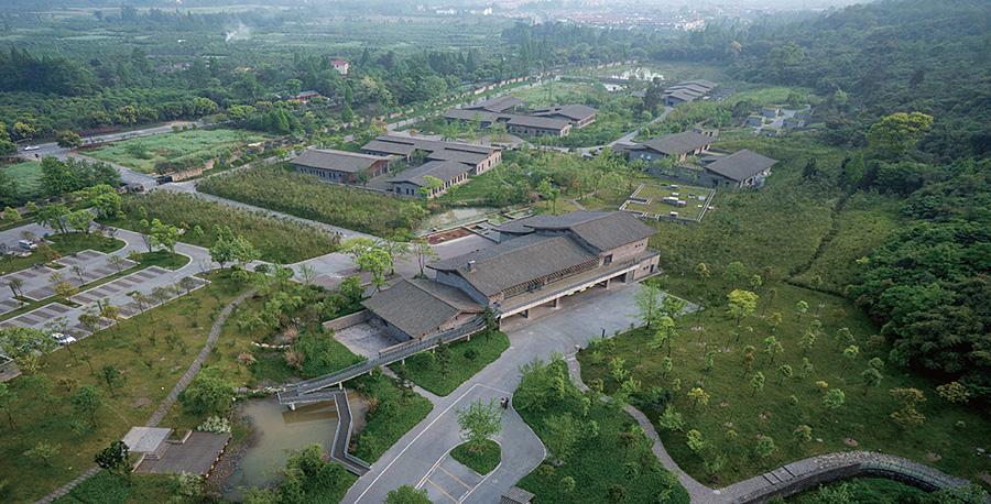 都江堰大熊猫救护与疾病防控中心鸟瞰照